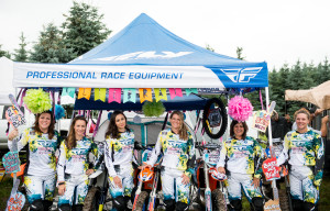 Before we get this beautiful Fly Kinetic Womens Gear Muddy... Lets Take a Team Pic!