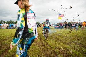 Valerie ripped the Holeshot!